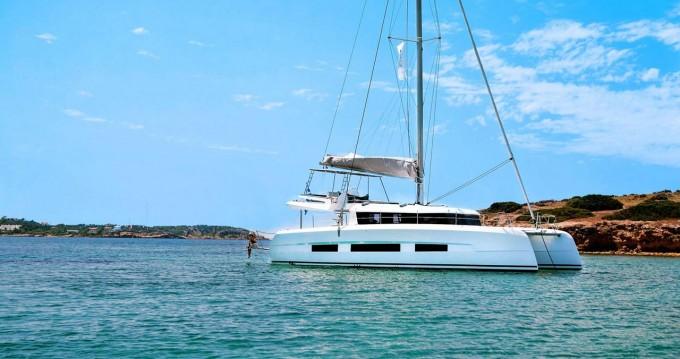 Boat rental Dufour Dufour 48 Catamaran - 5 + 1 cab. in Pomer on Samboat