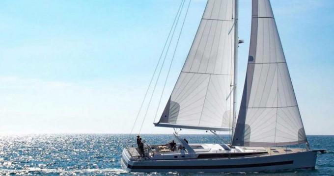 Rent a Bénéteau Oceanis Yacht 62 Athens