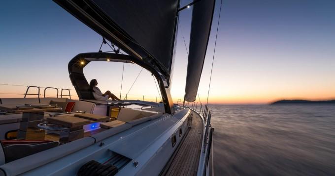 Rental Sailboat in Athens - Bénéteau Oceanis Yacht 62