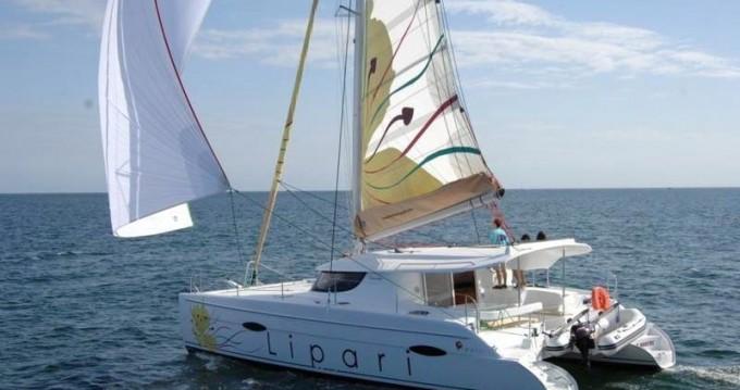 Boat rental Fountaine Pajot Lipari 41 - 4 + 2 cab. in Split on Samboat