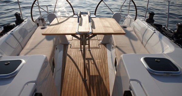 Rental Sailboat in Punat - Hanse Hanse 445