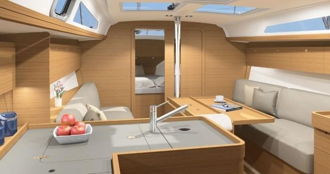 Rental Sailboat in Saint-Mandrier-sur-Mer - Dufour Dufour 360 Liberty