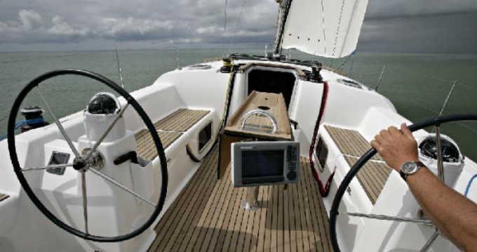 Dufour Dufour 380 GL between personal and professional Saint-Mandrier-sur-Mer