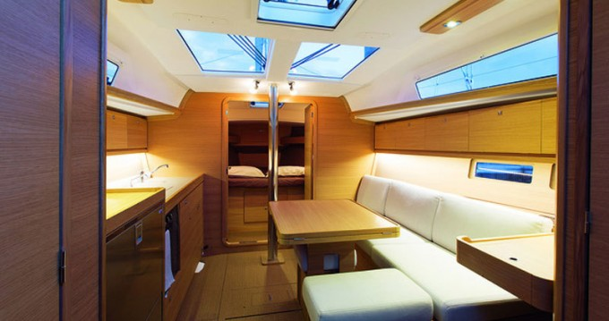 Boat rental Saint-Mandrier-sur-Mer cheap Dufour 382 Grand Large