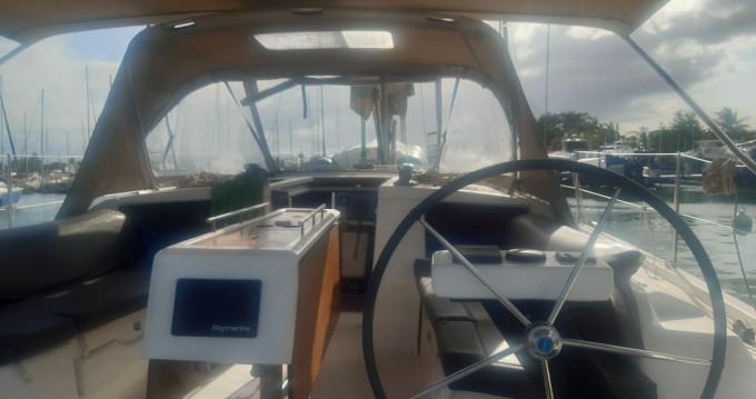 Rental yacht Propriano - Dufour Dufour 390 GL on SamBoat