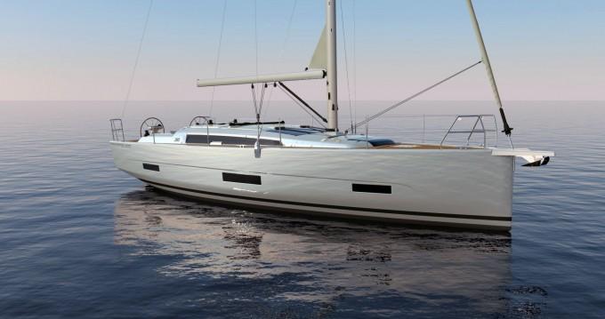 Rental Sailboat in Saint-Mandrier-sur-Mer - Dufour Dufour 390 GL