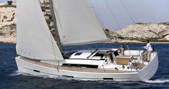 Boat rental Dufour Dufour 410 GL in Lefkada (Island) on Samboat