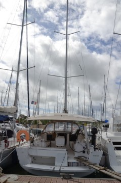 Sailboat for rent Saint George's at the best price