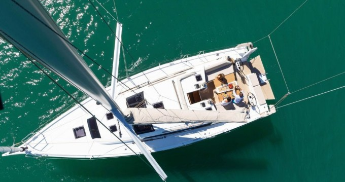 Rental yacht Old Port of Marseille - Dufour Dufour 430 GL on SamBoat