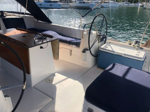 Rental Sailboat in Le Marin - Dufour Dufour 500 GL - 5 cab.
