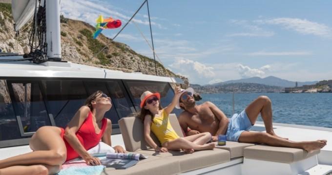 Rental Catamaran in Nassau - Fountaine Pajot Astrea 42