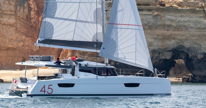 Fountaine Pajot Elba 45 between personal and professional Lávrio