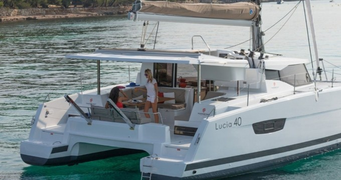 Boat rental Fountaine Pajot Lucia 40 in Bas du Fort on Samboat
