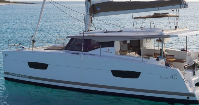 Hire Catamaran with or without skipper Fountaine Pajot Bas du Fort