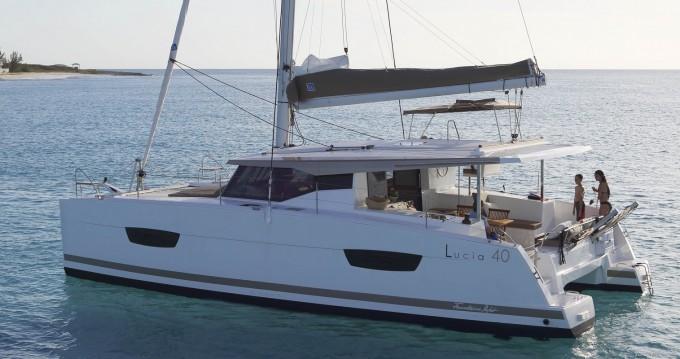 Rental Catamaran in West Harbor Key - Fountaine Pajot Lucia 40