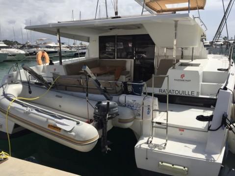 Boat rental Fountaine Pajot Lucia 40 in Marina di Portorosa on Samboat