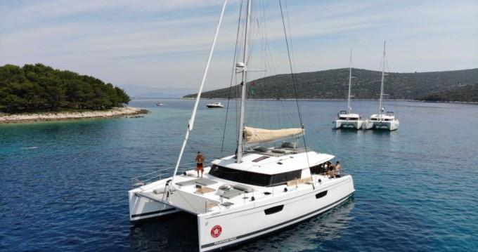 Rental yacht Seget Donji - Fountaine Pajot Saba 50 on SamBoat