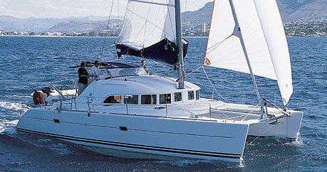 Lagoon Lagoon 380 between personal and professional Jamestown