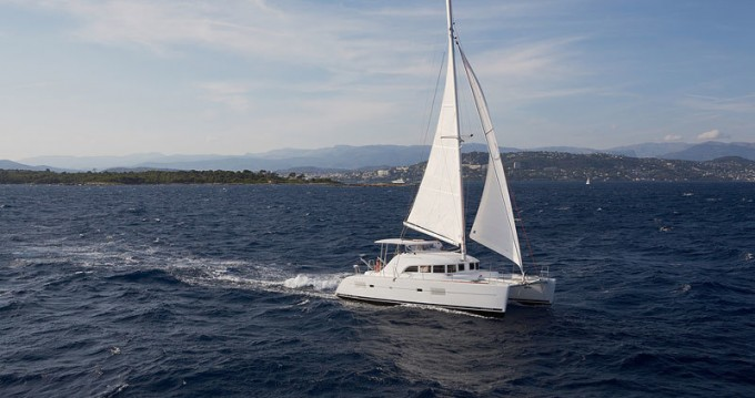 Boat rental Bas du Fort cheap Lagoon 380