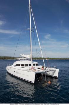 Rental Catamaran in Bas du Fort - Lagoon Lagoon 380