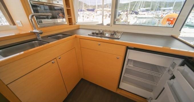 Rental Catamaran in Seget Donji - Lagoon Lagoon 400 S2
