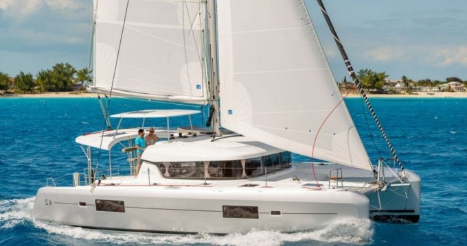 Rental Catamaran in Nassau - Lagoon Lagoon 42