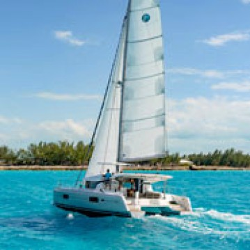 Rental Catamaran in Jolly Harbour - Lagoon Lagoon 42