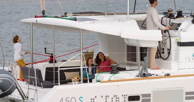Hire Catamaran with or without skipper Lagoon Anse Marcel
