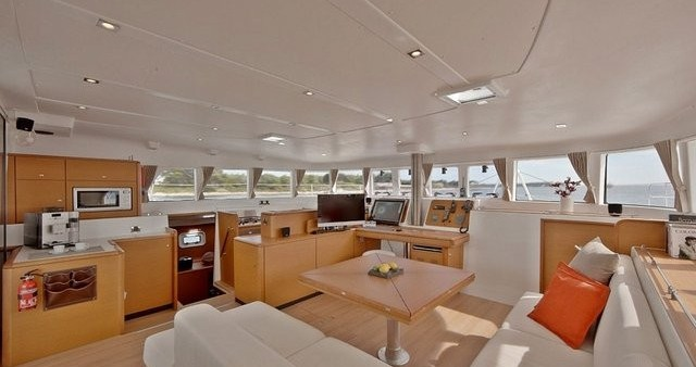 Hire Catamaran with or without skipper Lagoon Airlie Beach