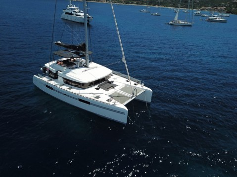 Lagoon Lagoon 52 F - 4 + 2 cab. between personal and professional Propriano