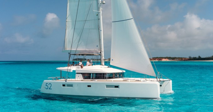 Hire Catamaran with or without skipper Lagoon Komolac