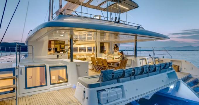 Rental yacht Raiatea - Lagoon Lagoon 620 - 6 + 2 cab. on SamBoat