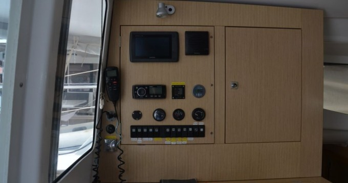 Boat rental Nassau cheap Mahe 36 - 3 cab.