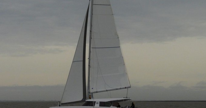 Hire Catamaran with or without skipper Nautitech Anse Marcel