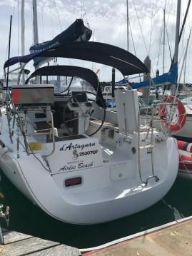 Boat rental Airlie Beach cheap Oceanis 31