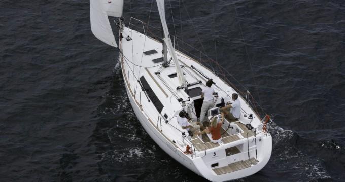 Boat rental La Rochelle cheap Oceanis 34