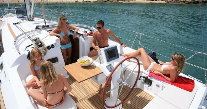 Boat rental Hamble-le-Rice cheap Oceanis 37