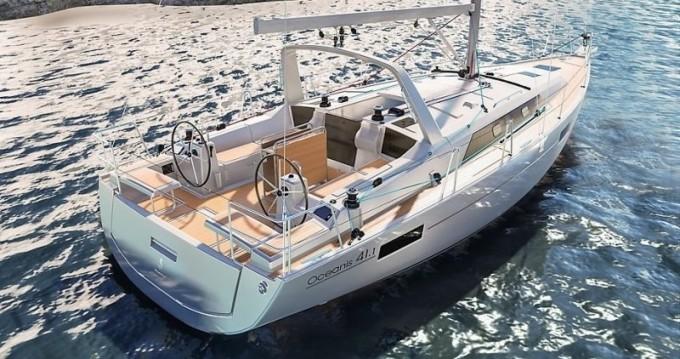Bénéteau Oceanis 41.1 between personal and professional Saint-Mandrier-sur-Mer