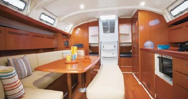 Boat rental Airlie Beach cheap Oceanis 43