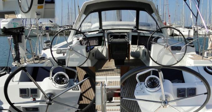 Rental Sailboat in Airlie Beach - Bénéteau Oceanis 48