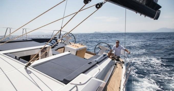 Rental yacht Lávrio - Bénéteau Oceanis 51.1 on SamBoat