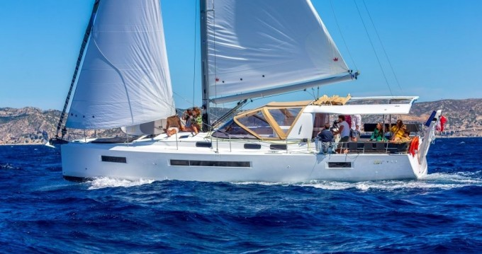 Rental Sailboat in Naples - Jeanneau Sun Loft 47 - 6 + 1 cab.