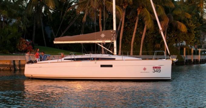 Rent a Jeanneau Sun Odyssey 349 La Trinité-sur-Mer
