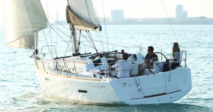 Boat rental Jeanneau Sun Odyssey 379 in Praslin Island on Samboat