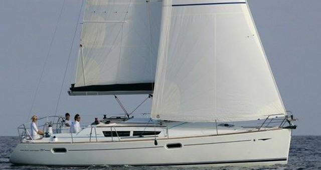 Rental Sailboat in Airlie Beach - Jeanneau Sun Odyssey 39i