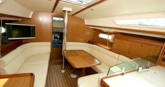 Boat rental Airlie Beach cheap Sun Odyssey 39i