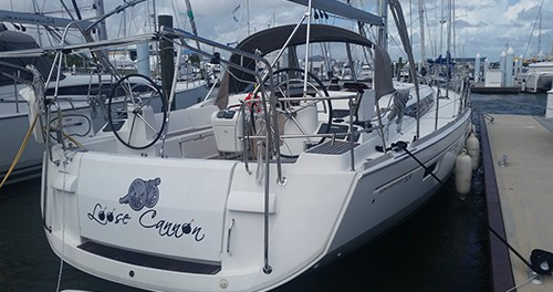 Sailboat for rent Burlington at the best price