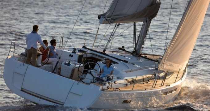 Jeanneau Sun Odyssey 509 between personal and professional Alimos