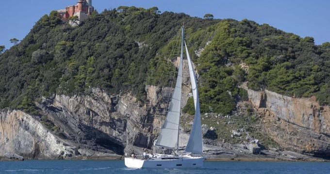 Rental Sailboat in Trogir - Dufour Dufour 430