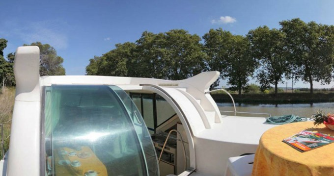 Boat rental  Confort 900 DP in Nevers on Samboat
